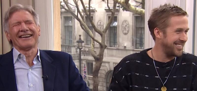 Harrison Ford és Ryan Gosling röhögőgörcsöt kapott interjú közben - videó