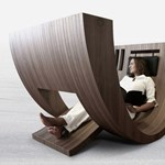 Hajótest formájú olvasószék különleges alkalmakra