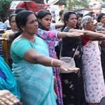 Több mint 600 kilométeres élő láncot alkottak indiai nők