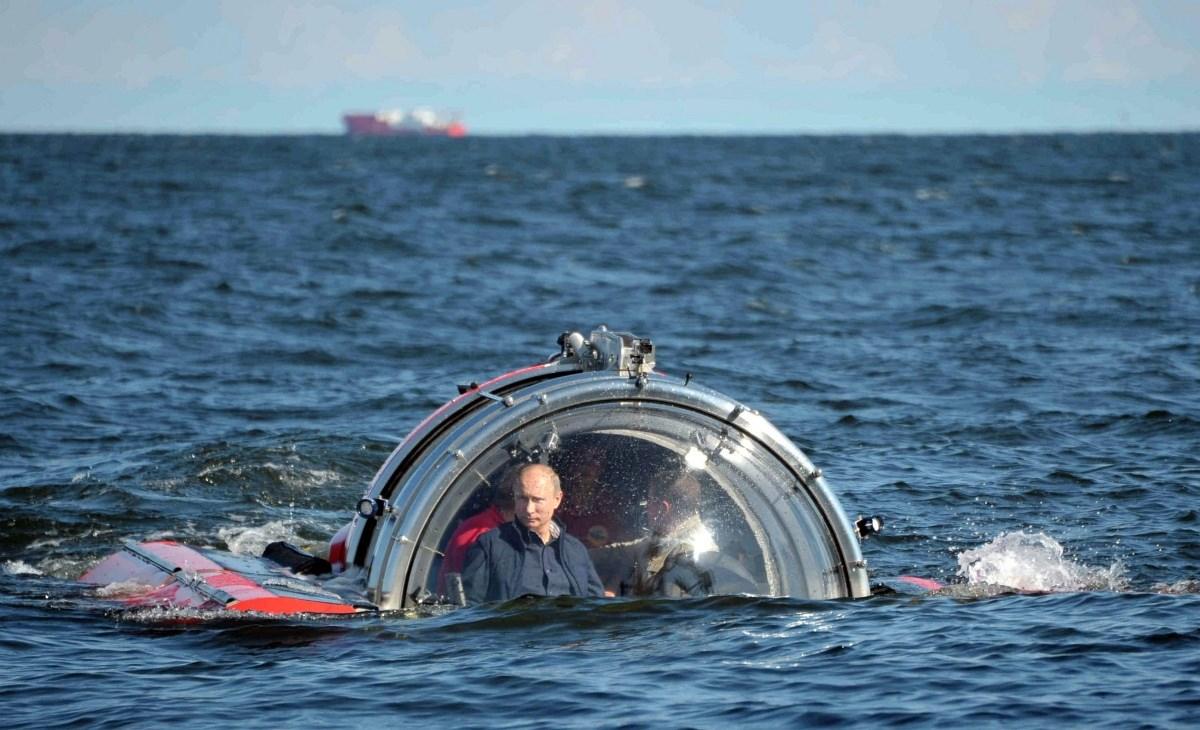 Fotó: Putyin Poszeidón babérjaira tör