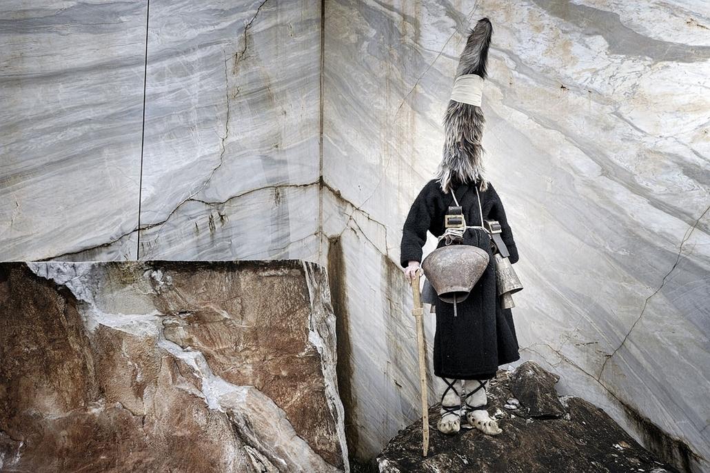 NE használd_! - Photographer of the Year 2014 - ''Törzsek'' kategória - 2. helyezett - Nikisiana falu, Kavala, Görögország - tpoty