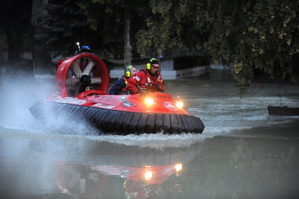 Szombati árvízhelyzet képekben - Nagyítás-fotógaléria