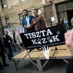 Fotók: a Tiszta Kezek is tüntetett Zuglóban