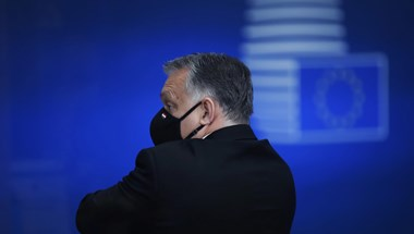 Süddeutsche Zeitung: A Néppártnak színt kell vallania Orbánról