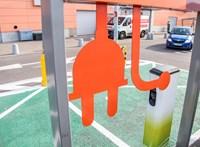Újra lesz támogatás elektromos autó vásárlására, több feltételen könnyítettek