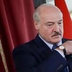 Lukasenka: Fehéroroszország katonákat vezényelt a nyugati határára