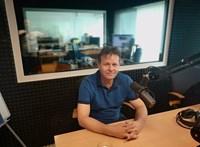 Ellenzéki polgármesterjelölt lett az apa, akinek a fiát egy hitleres paródiavideó miatt hurcolták meg