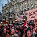 Így tüntetett a Fidesz a rasszizmus ellen - videó