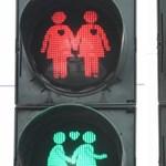Azonos nemű párokat ábrázoló közlekedési lámpák is lesznek Kölnben