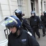 """""""Világháborús állapotok"""": megingott a bizalom a londoni rendőrség iránt"""
