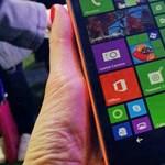 Februárban jöhet az új windowsos szupertelefon