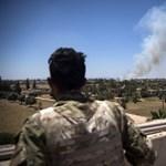 A külügyminisztérium szerint nem elrabolták, hanem megsebesült egy magyar fotós Líbiában
