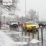 Latyakos utak, szürkeség, csigatempó – videón a budapesti hóhelyzet