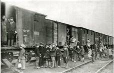 Zárt karokkal fogadták a Trianon után beözönlő menekülteket
