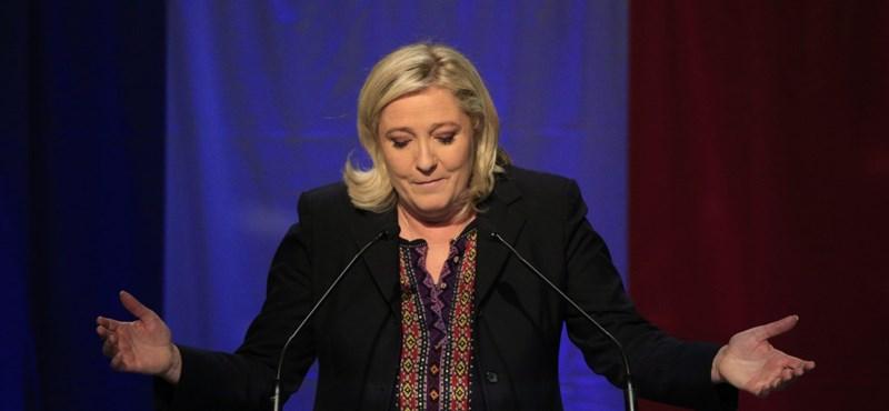 Amikor az EU-ellenes Le Pen munkatársai ellen az EU-tól lenyúlt pénzek miatt nyomoznak