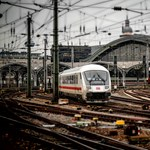 Ingyen vonatbérletet kaphat minden 18 éves diák?