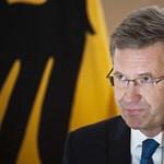 Katonai parádéval búcsúznak a lemondott német államfőtől