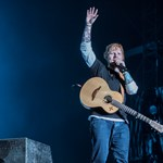 Ed Sheeran beállt csaposnak