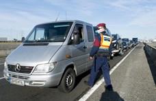 Több kilométeres dugó alakult ki az osztrák határnál ellenőrzések miatt
