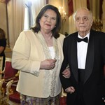 Marton Éva operaénekes meghatódva fogadta a Szent István-rendet