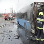Teljesen kiégett egy BKV-busz Újbudán