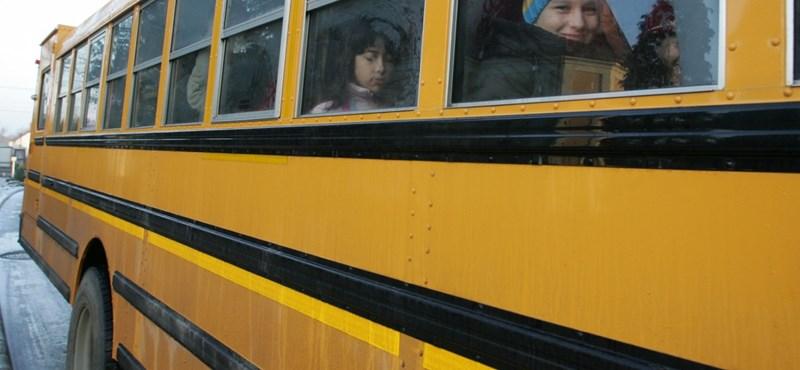 Iskolabusz-hálózatot építene ki a kormány