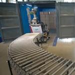 Táncolni ugyan nem tud, de ügyesen pakolja a dobozokat a Boston Dynamics új robotja
