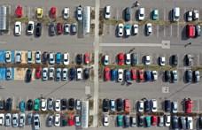 Papíron tíz százalékkal nőtt, a valóságban csökkent az új autók száma az első negyedévben