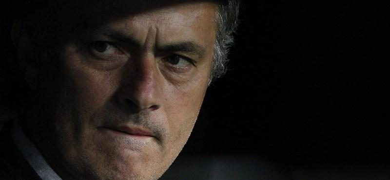 Videó: Mourinho már nagyon unja, ha Wengerről kérdezik