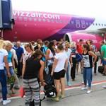 Szokatlan hangok miatt szakította meg útját egy magyarokkal teli Wizz Air-járat