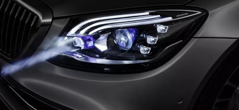 Olyan fényszórót fejlesztett a Mercedes, aminek minden autóban ott lenne a helye