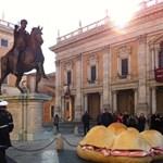 Az óriásszendvics evés is tilos Róma utcáin