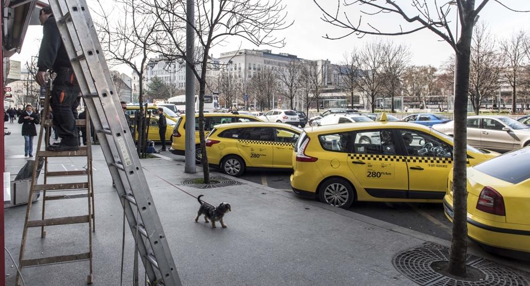 faz.16.03.10. - Taxissztrájk a Deák Ferenc térnél, Bajcsy, Andrássy, Über