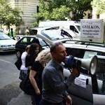 Lehánynák a bankokat a devizahiteles tüntetők