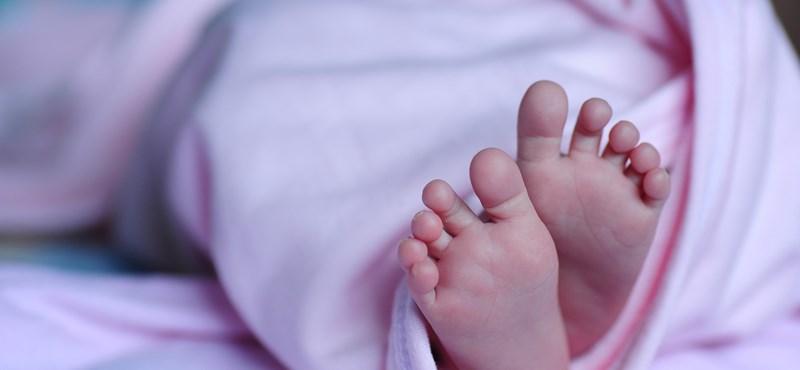 Anyjától kapott méhével szült egészséges gyermeket egy nő Kínában