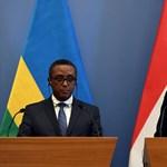 Szijjártó bejelentette: Magyarország beszáll a ruandai csirketenyésztésbe