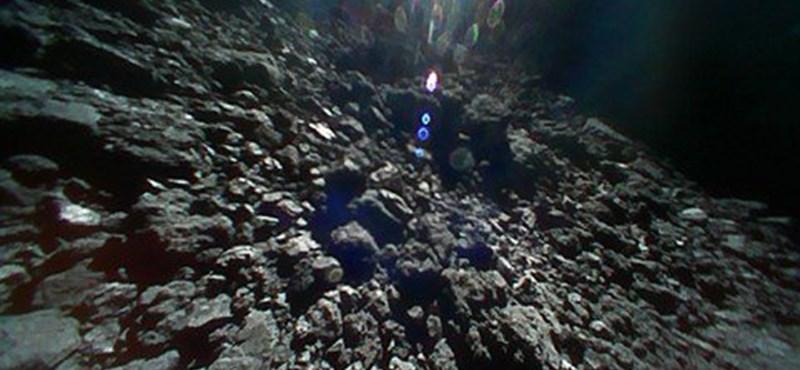 Videót küldött haza az aszteroidán tanyázó japán űrszonda