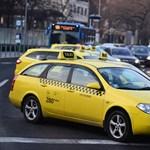 Újra tüntetnek csütörtökön a taxisok, dugó jöhet a Deák térnél