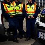 Ön mit gondol, Facebookra a rendőrökkel?