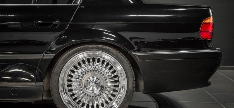 520 millió forintot kérnek a kocsiért, amiben agyonlőtték Tupacot