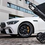 Sportos babakocsival rukkolt elő a Mercedes-AMG