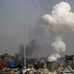 Fotók: füstcsóva és kiégett autók az újabb robbanás után Tiencsinben