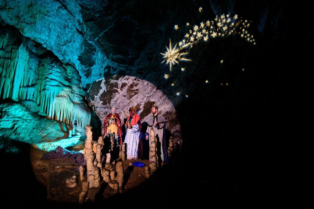 afp.15.12.25.  Betlehemi játék a Postojna barlangban, szlovéniában.