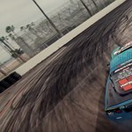 Valahogy így kéne mutatni a 21. században egy autóversenyt – videó