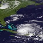 A Bahamák felé tart egy hurrikán, nagy baj lehet, ha tartja az irányt