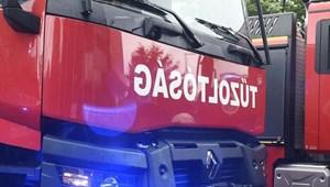 Tűzvész van Hajdúböszörményben, 45 tűzoltó küzd a lángokkal
