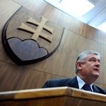 Slota: Magyarország folyamatosan fegyverkezik