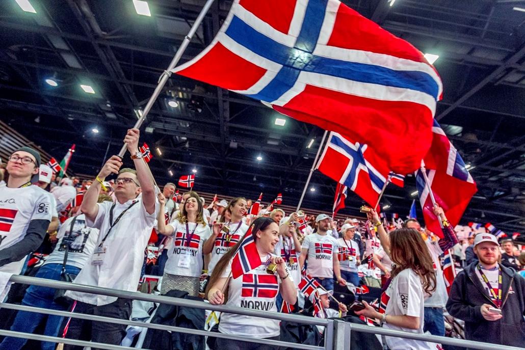 mti.17.01.24. Norvég szurkolók a Bocuse d'Or nemzetközi szakácsverseny lyoni világdöntőjén, a SIRHA nemzetközi vendéglátó-, szálloda- és élelmiszeripari kiállításon 2017. január 24-én.