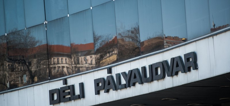 Robbanótestet találtak a Déli pályaudvarnál, utakat zárnak le