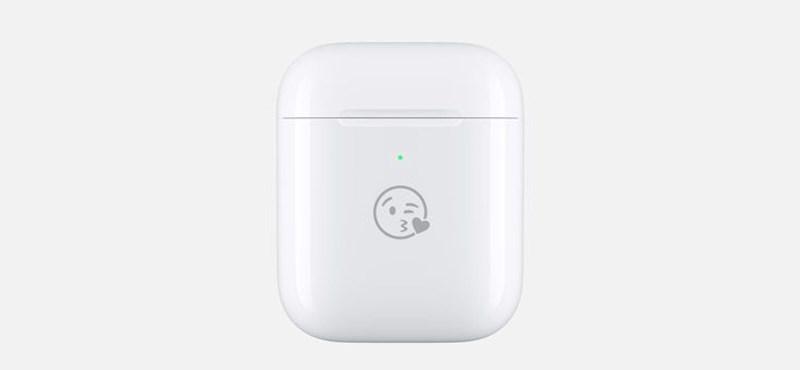 31 emoji ingyenes gravírozása közül választhat az, aki az Apple-től veszi az AirPods fülhallgatót